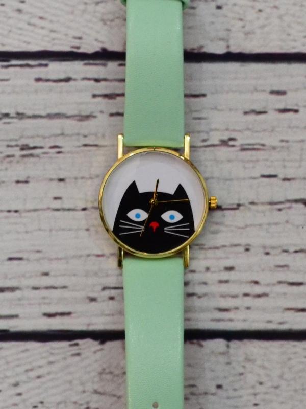 Ceas cu Pisica Verde