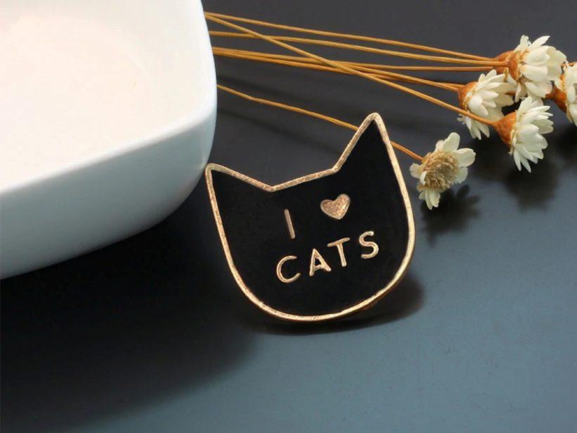 Pin Negru I Love Cats