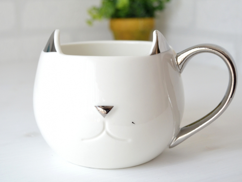 Cana Pisica Alba
