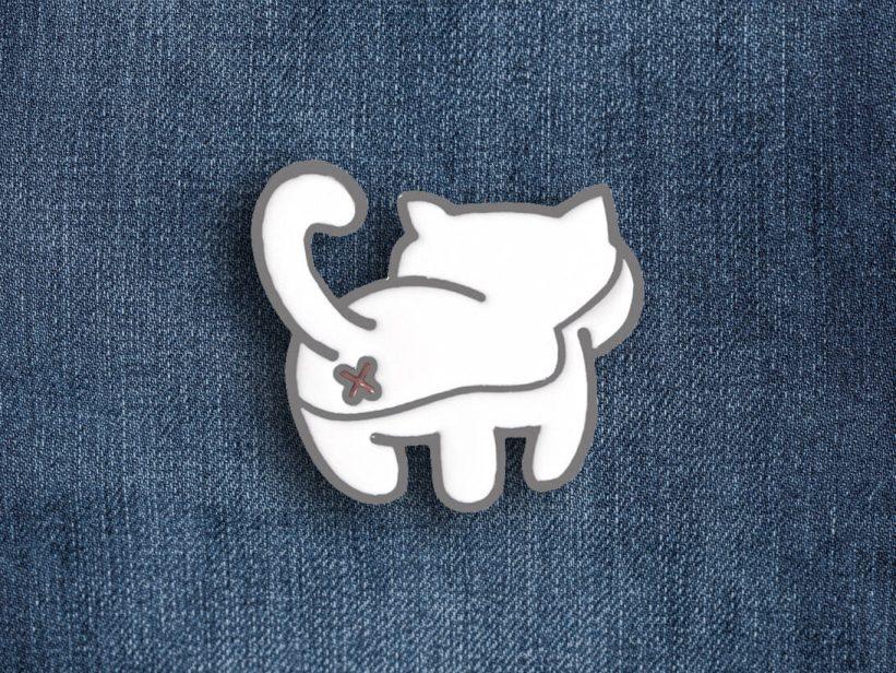 Pin Pisica Cat Butt White